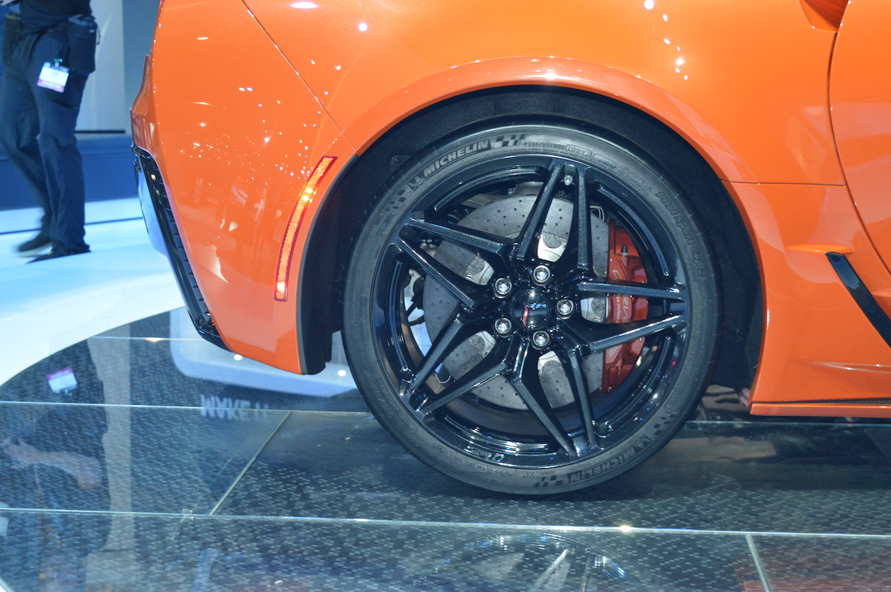 2019 Chevrolet Corvette ZR1 rear wheel at 2017 Dubai Motor Show