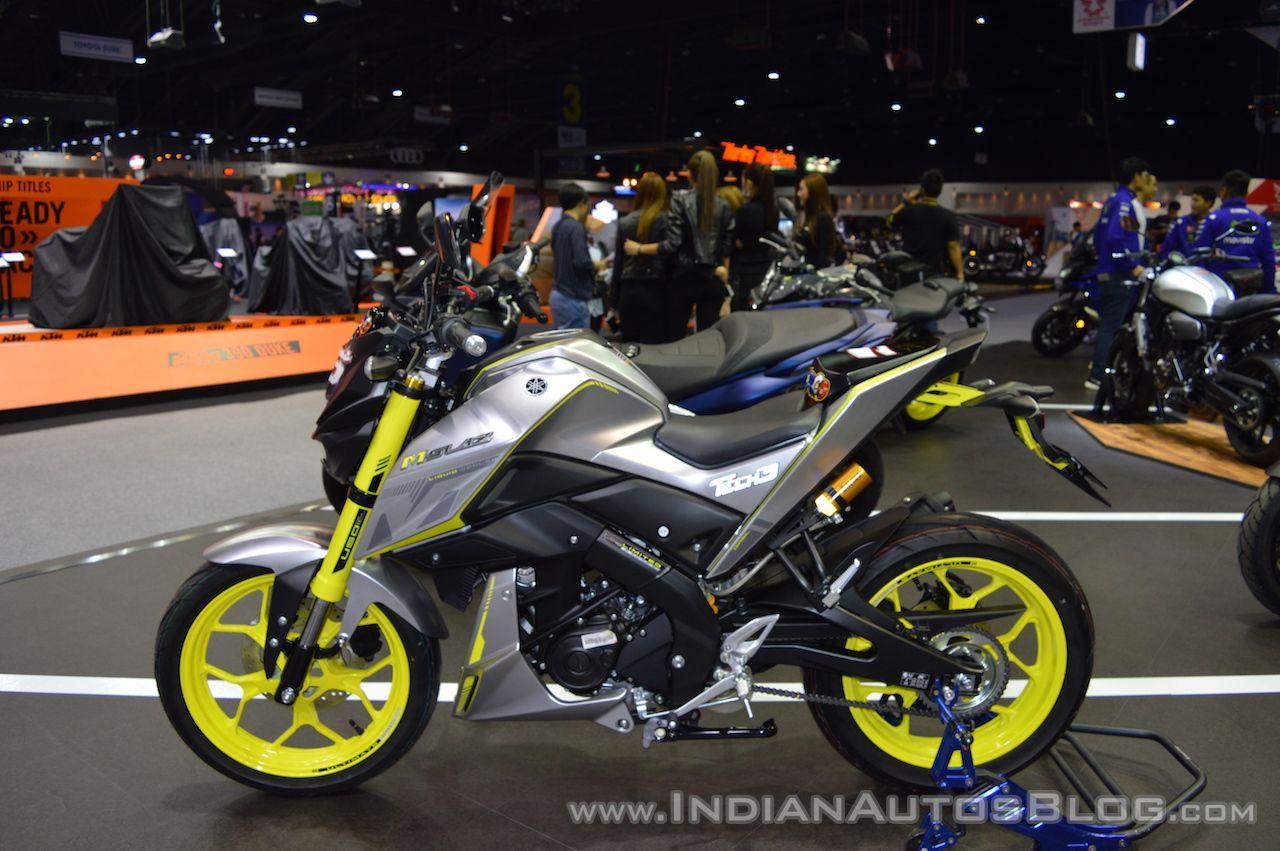 Custom Yamaha M-Slaz & Yamaha R15 v3.0 at 2017 Thai Motor Expo