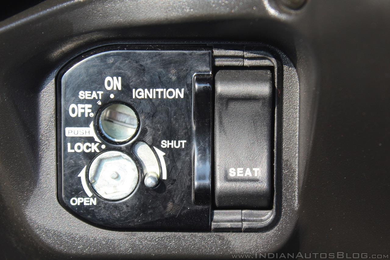 Honda Grazia first ride review lock switch