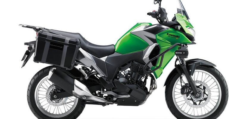 Kawasaki Versys-X 300 press right side