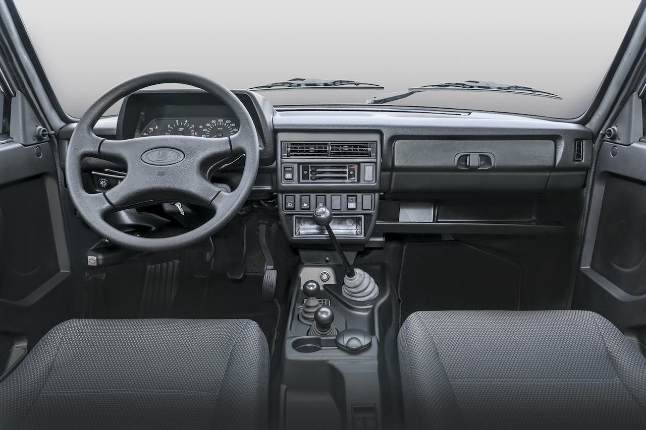 Lada 4x4 (Lada Niva) 3-door interior dashboard
