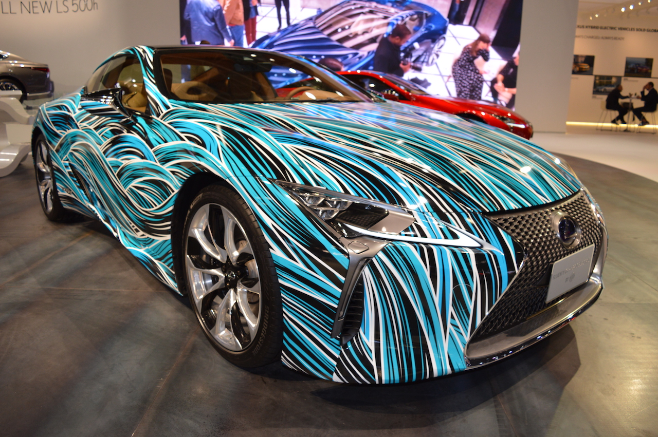 Lexus Fluidity of Hybrid Electric concept front three quarters right side at 2017 Dubai Motor Show
