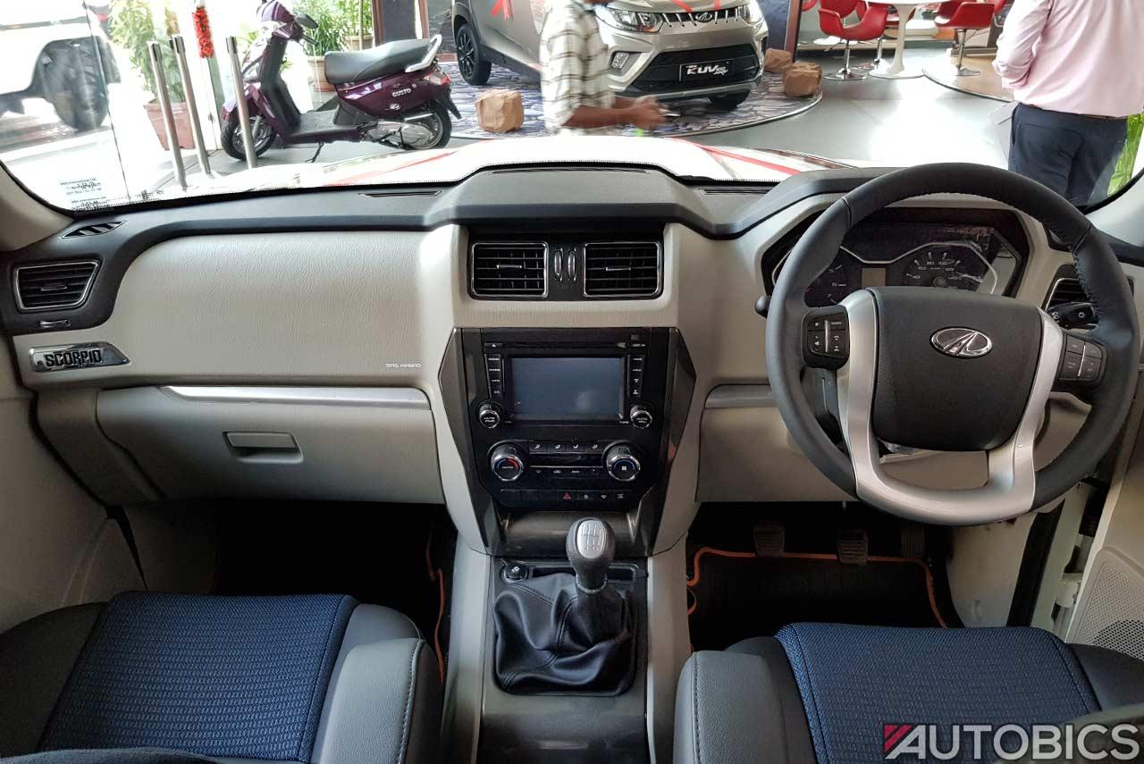 Mahindra Scorpio 2017 facelift dashboard