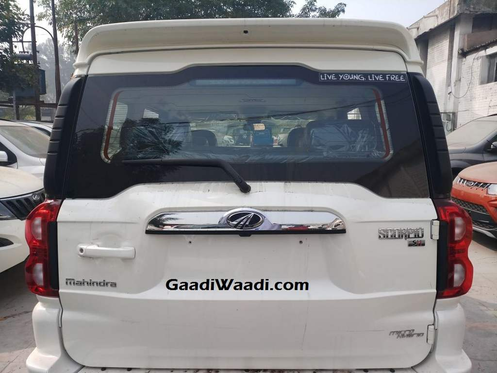 Mahindra Scorpio facelift rear view