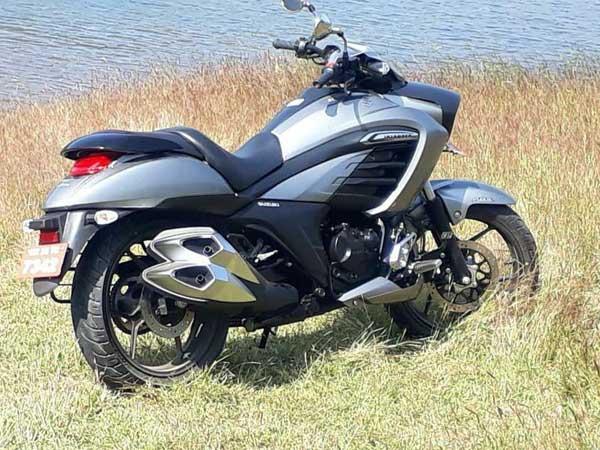 Suzuki Intruder 150 spied by IAB reader rear right quarter