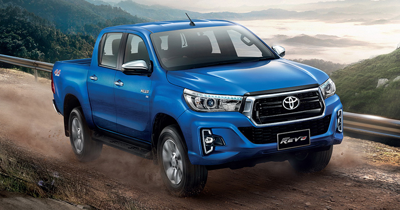 Toyota hilux Revo facelift double cab front three quarters