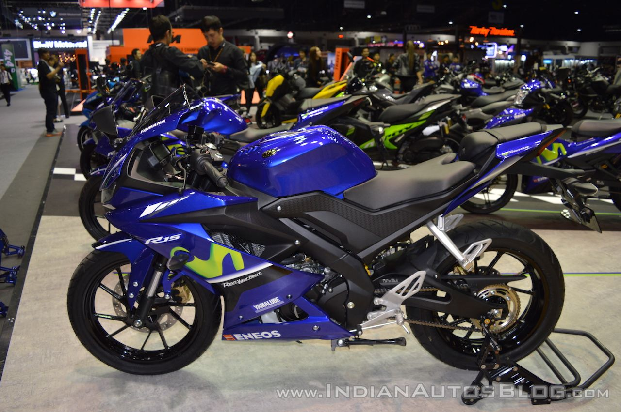 Yamaha R15 v3.0 left side at 2017 Thai Motor Expo