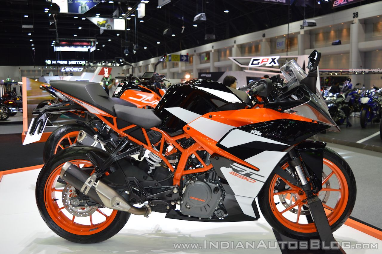 2017 KTM RC 390 right side at 2017 Thai Motor Expo