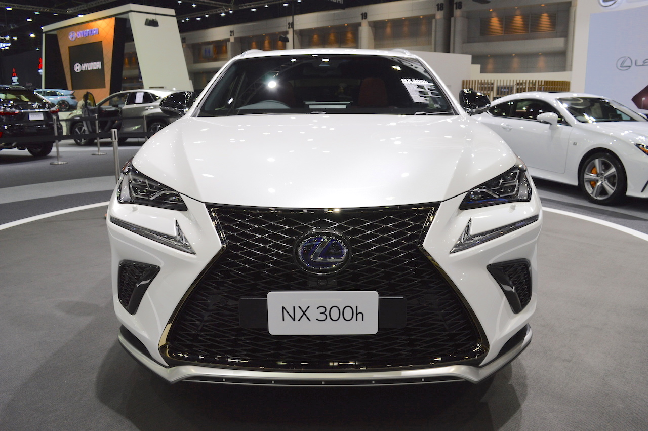 2018 lexus nx 300h f sport front at 2017 thai motor expo. Black Bedroom Furniture Sets. Home Design Ideas