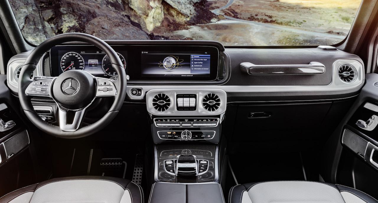 2018 Mercedes G-Class dashboard