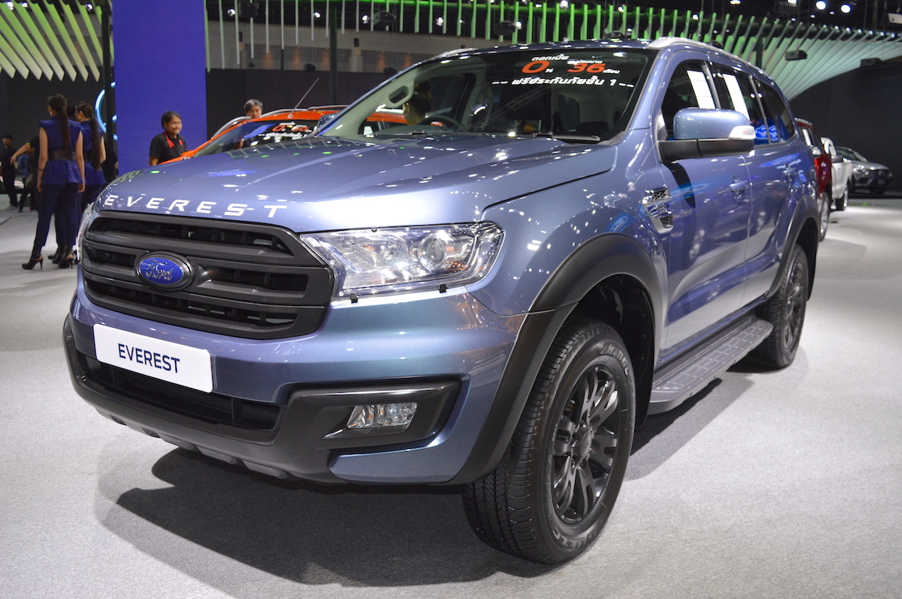 Accessorised Ford Everest front three quarters at 2017 Thai Motor Expo
