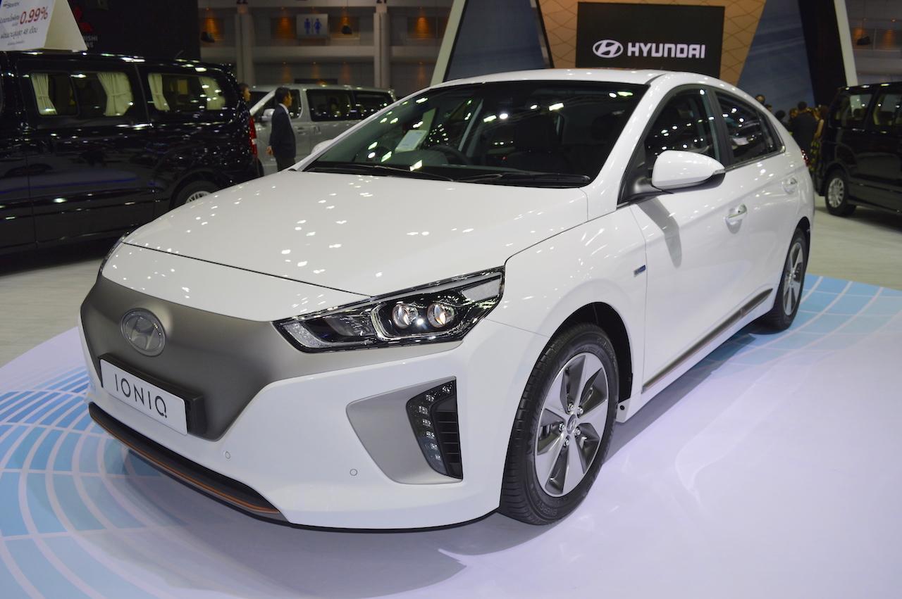 Hyundai Ioniq electric front three quarters at 2017 Thai Motor Expo