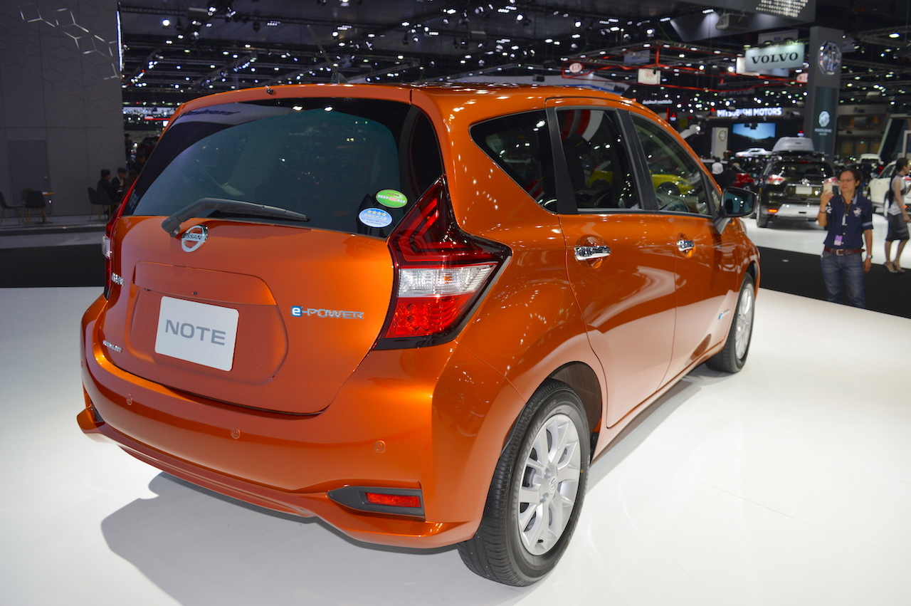 Nissan Note e-Power rear three quarters at 2017 Thai Motor Expo - Live.JPG