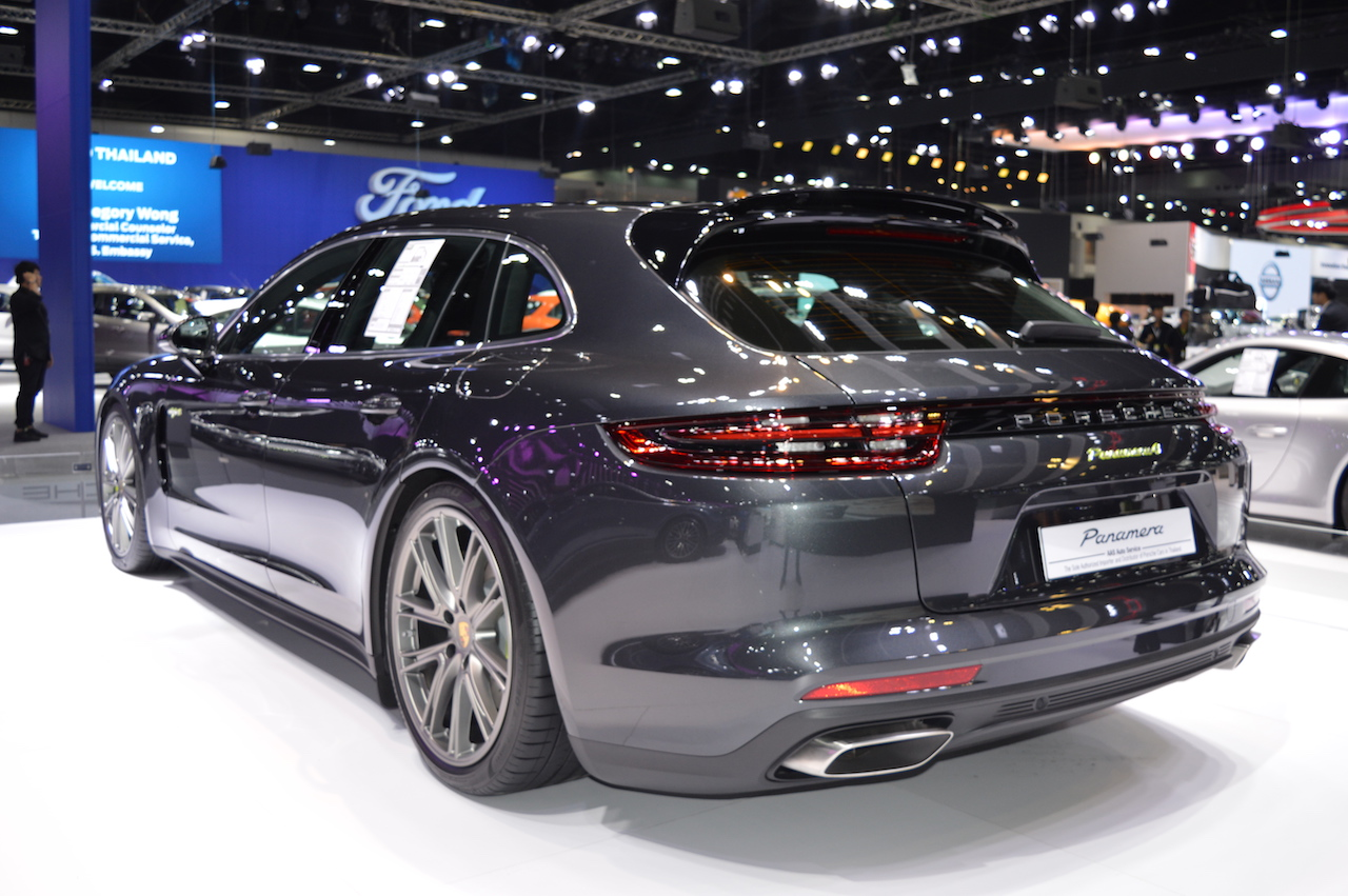 Porsche Panamera 4 e-hybrid Sport Turismo rear three quarters at 2017 Thai Motor Expo