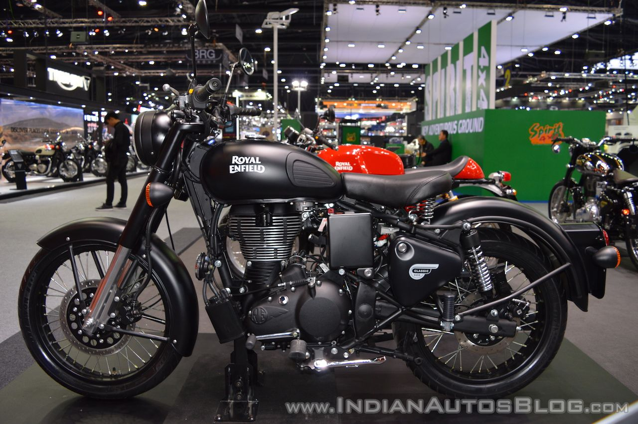 royal enfield classic 500 stealth black gunmetal grey launched at 2017 thai motor expo. Black Bedroom Furniture Sets. Home Design Ideas