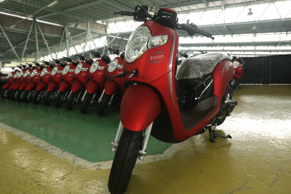 2018 Honda Scoopy Stylish launched factory shot