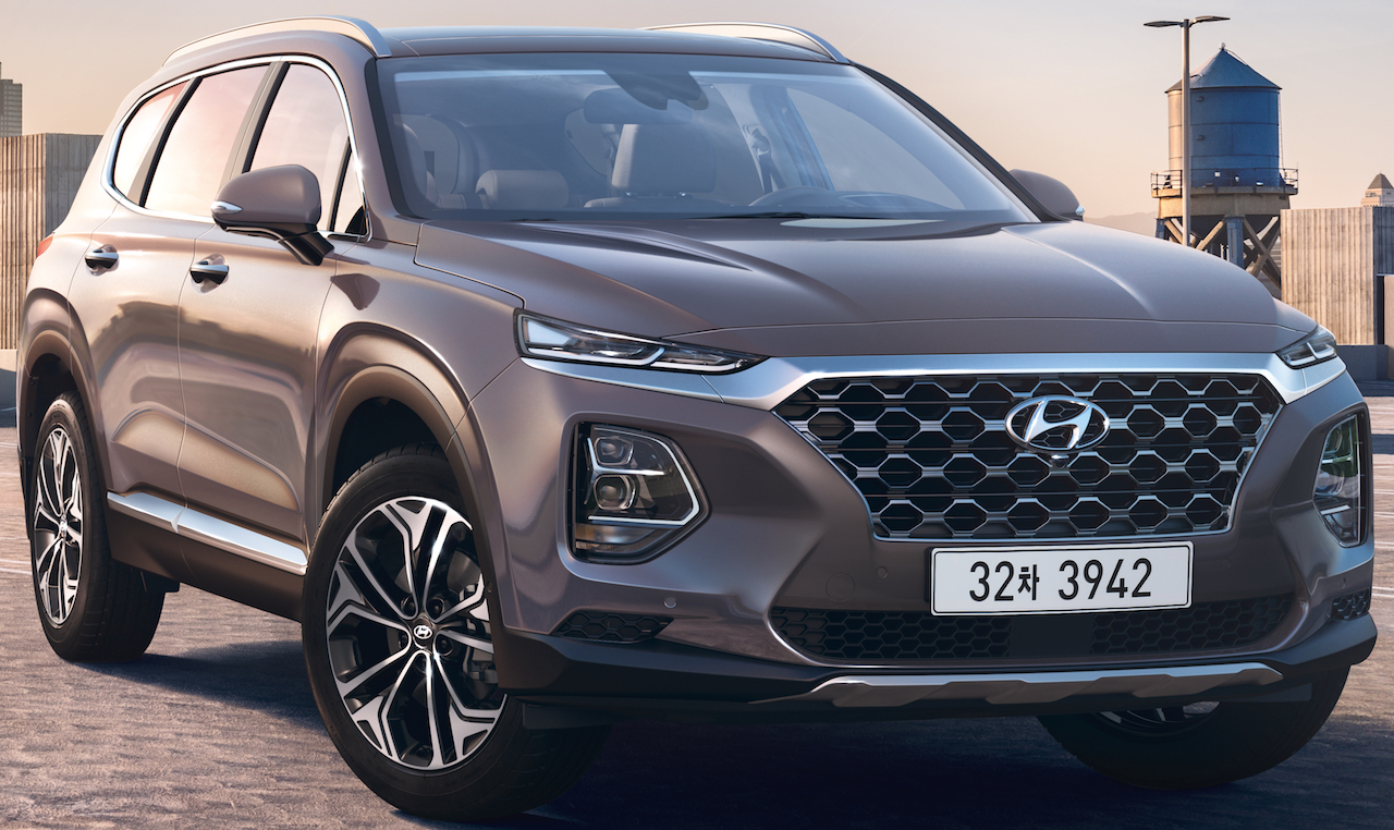 2018 hyundai santa fe officially revealed. Black Bedroom Furniture Sets. Home Design Ideas