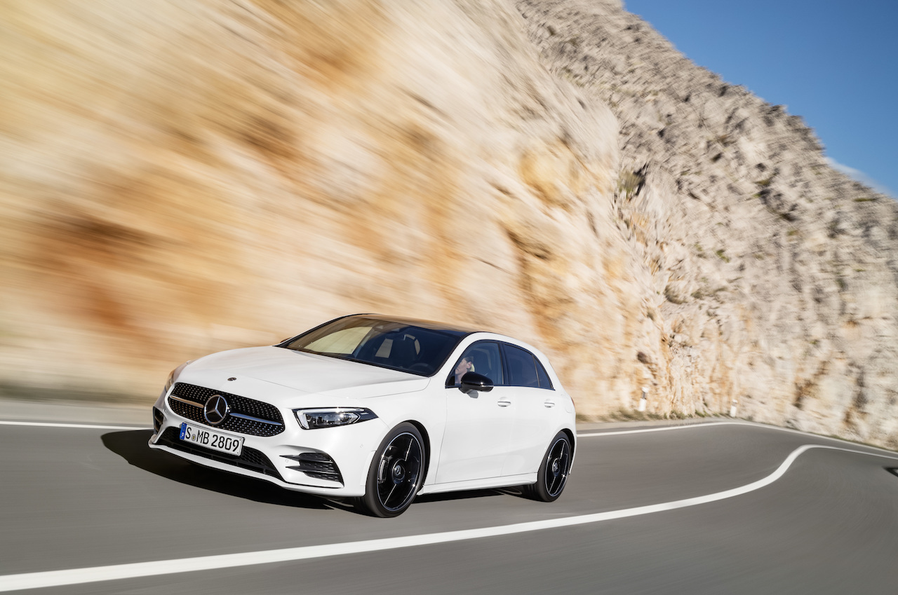 2018 Mercedes A-Class front three quarters dynamic