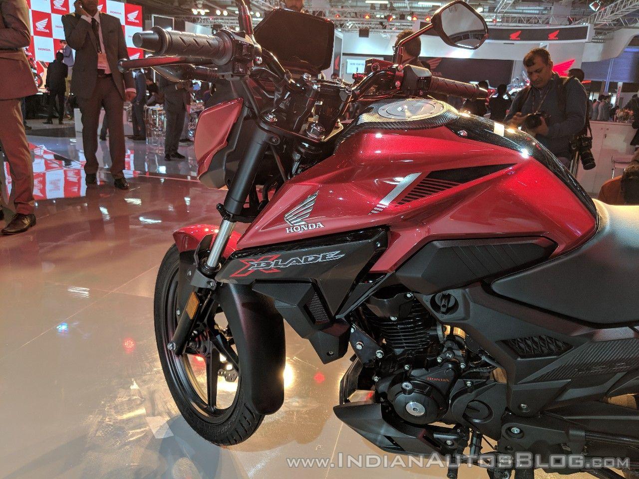 Honda X-Blade Red fuel tank at 2018 Auto Expo