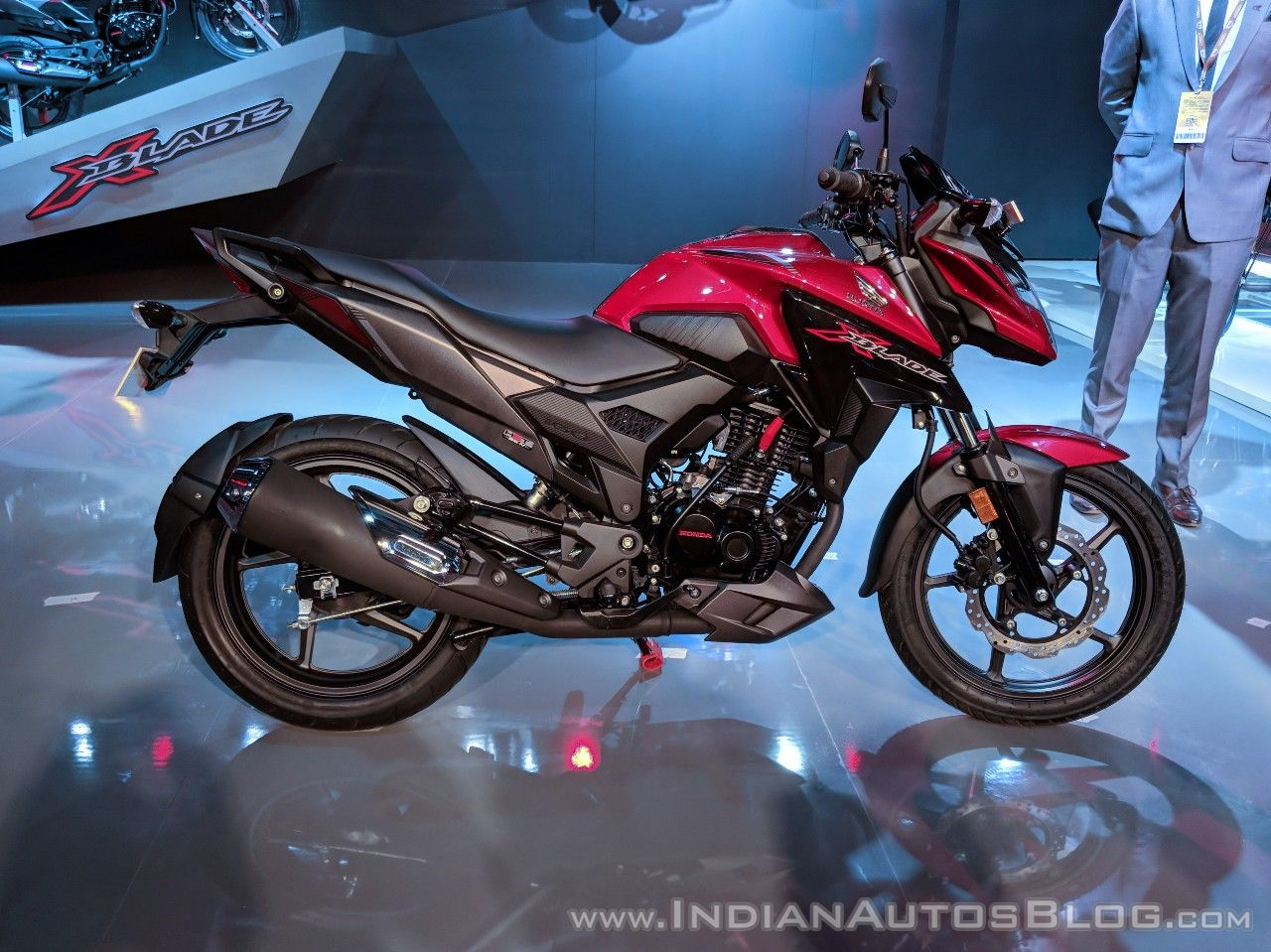 Honda X-Blade Red right side at 2018 Auto Expo
