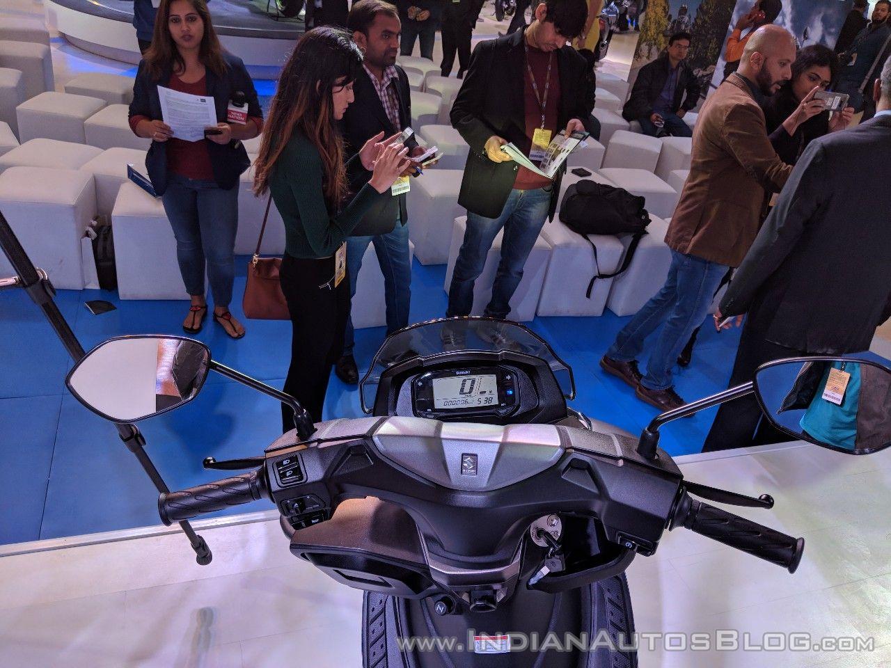 Suzuki Burgman Street cockpit at 2018 Auto Expo