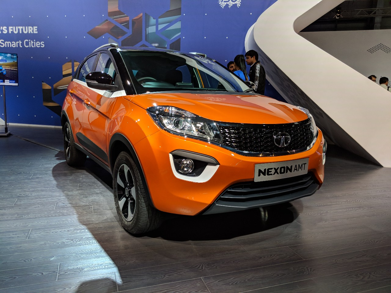 Tata Nexon AMT front three quarters at Auto Expo 2018