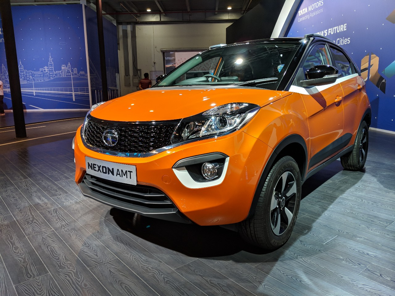 Tata Nexon AMT front three quarters left side at Auto Expo 2018