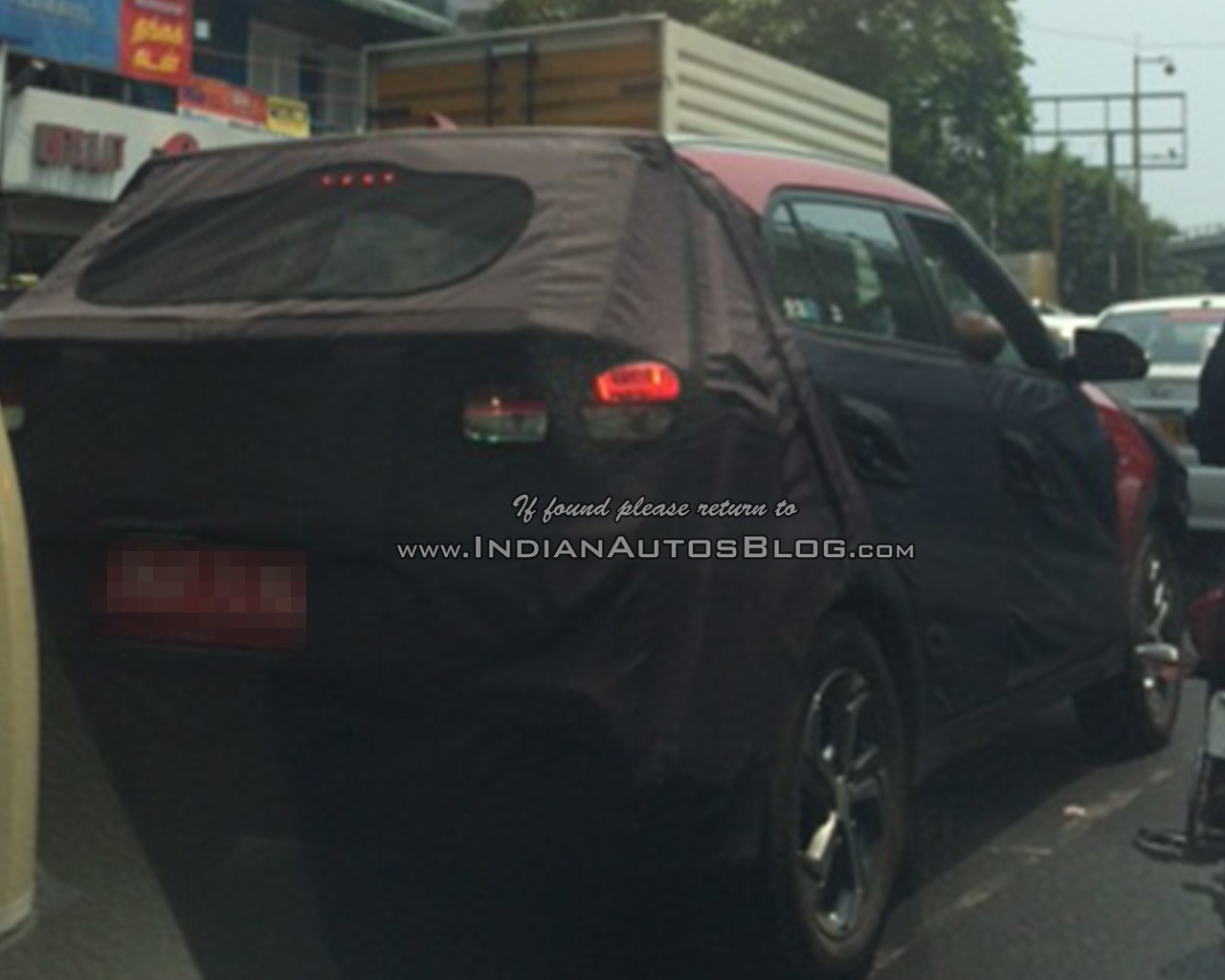 2018 Hyundai Creta facelift spy shot rear three quarter