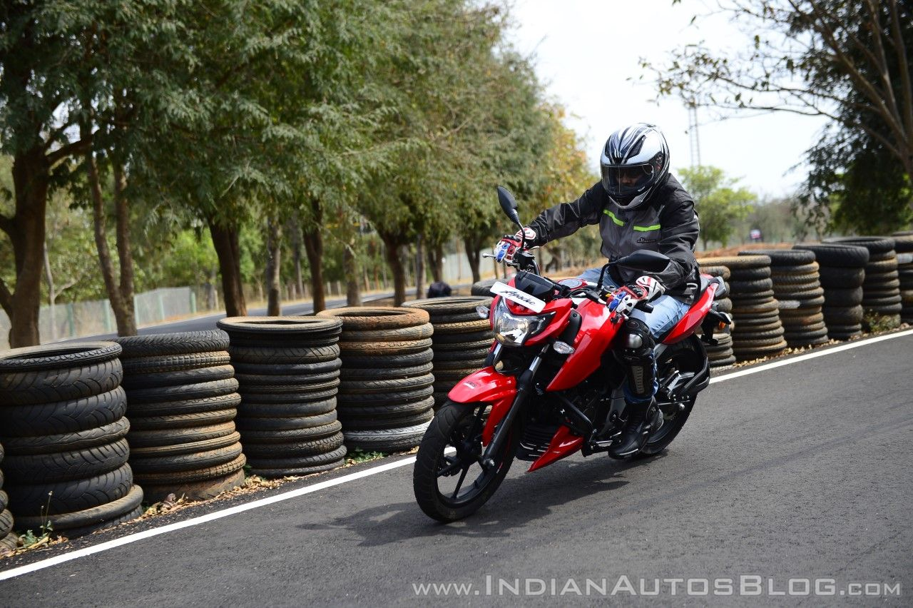 2018 TVS Apache RTR 160 4V First ride review cornering action