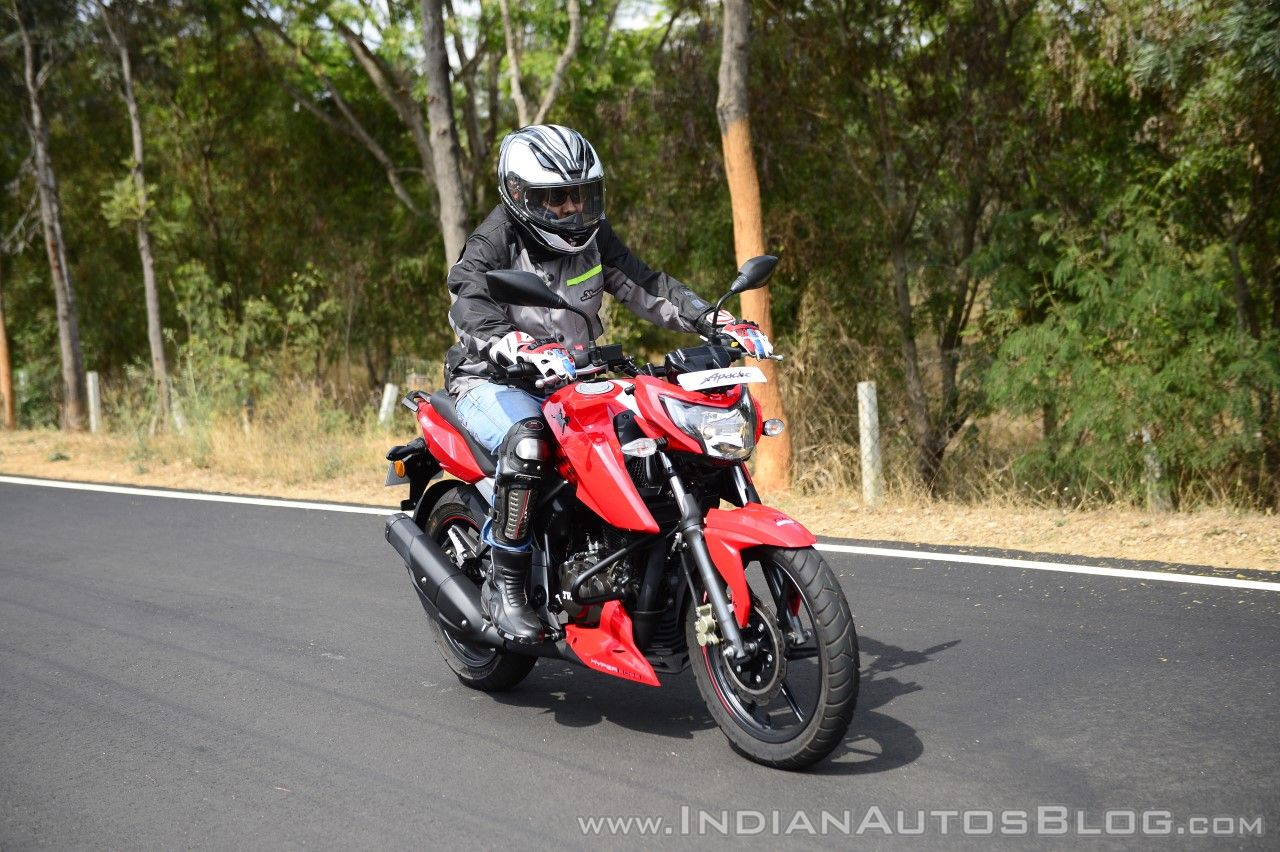 2018 TVS Apache RTR 160 4V First ride review front right quarter action