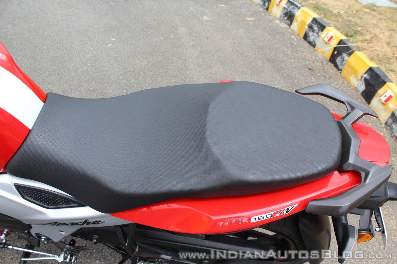 2018 TVS Apache RTR 160 4V First ride review seat