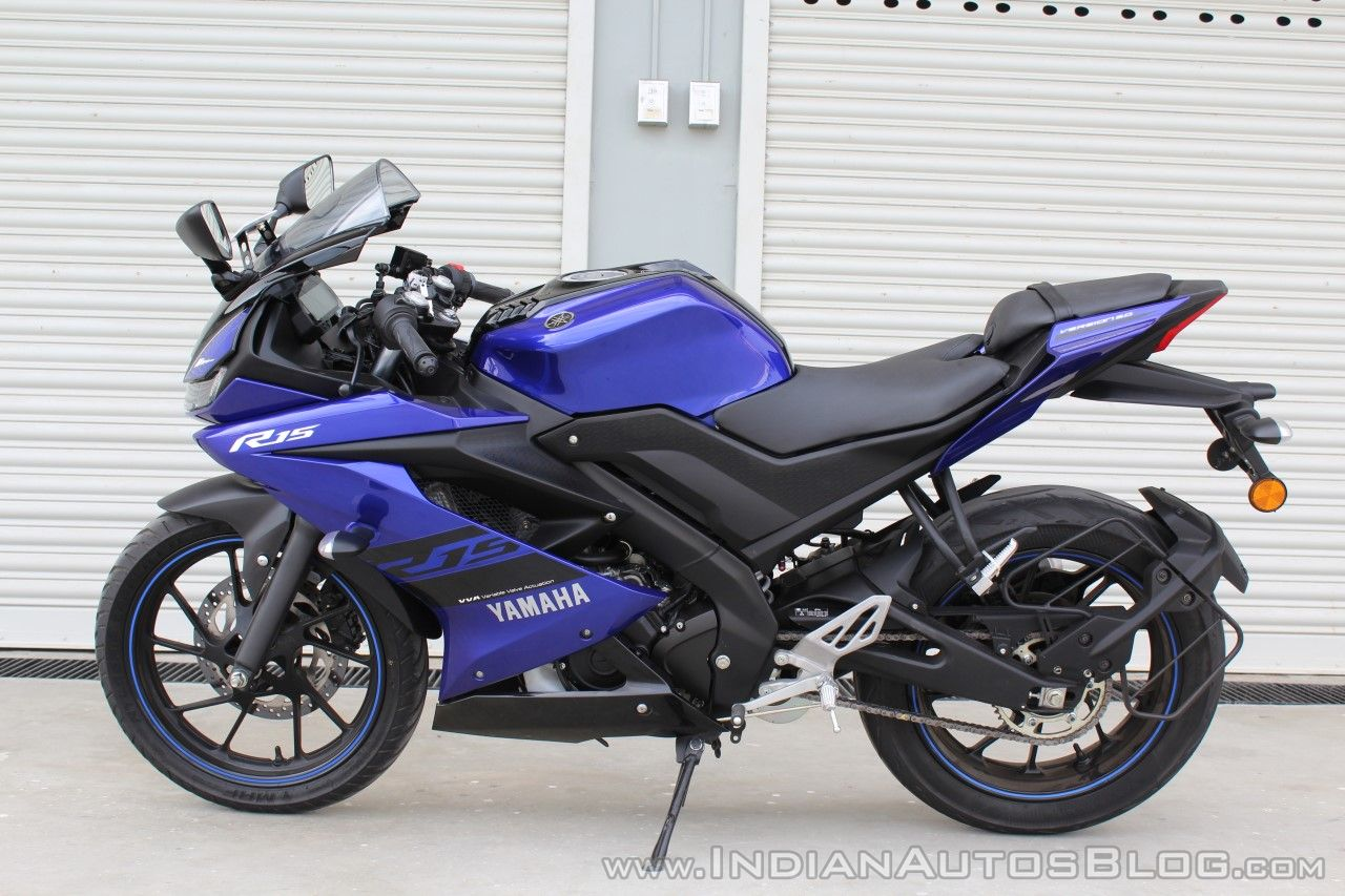 Yamaha YZF-R15 v3.0 track ride review left side