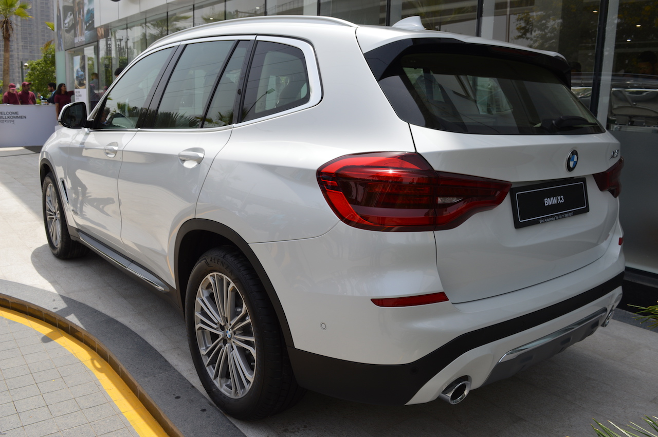 2018 bmw x3 launched in india priced from inr lakh. Black Bedroom Furniture Sets. Home Design Ideas