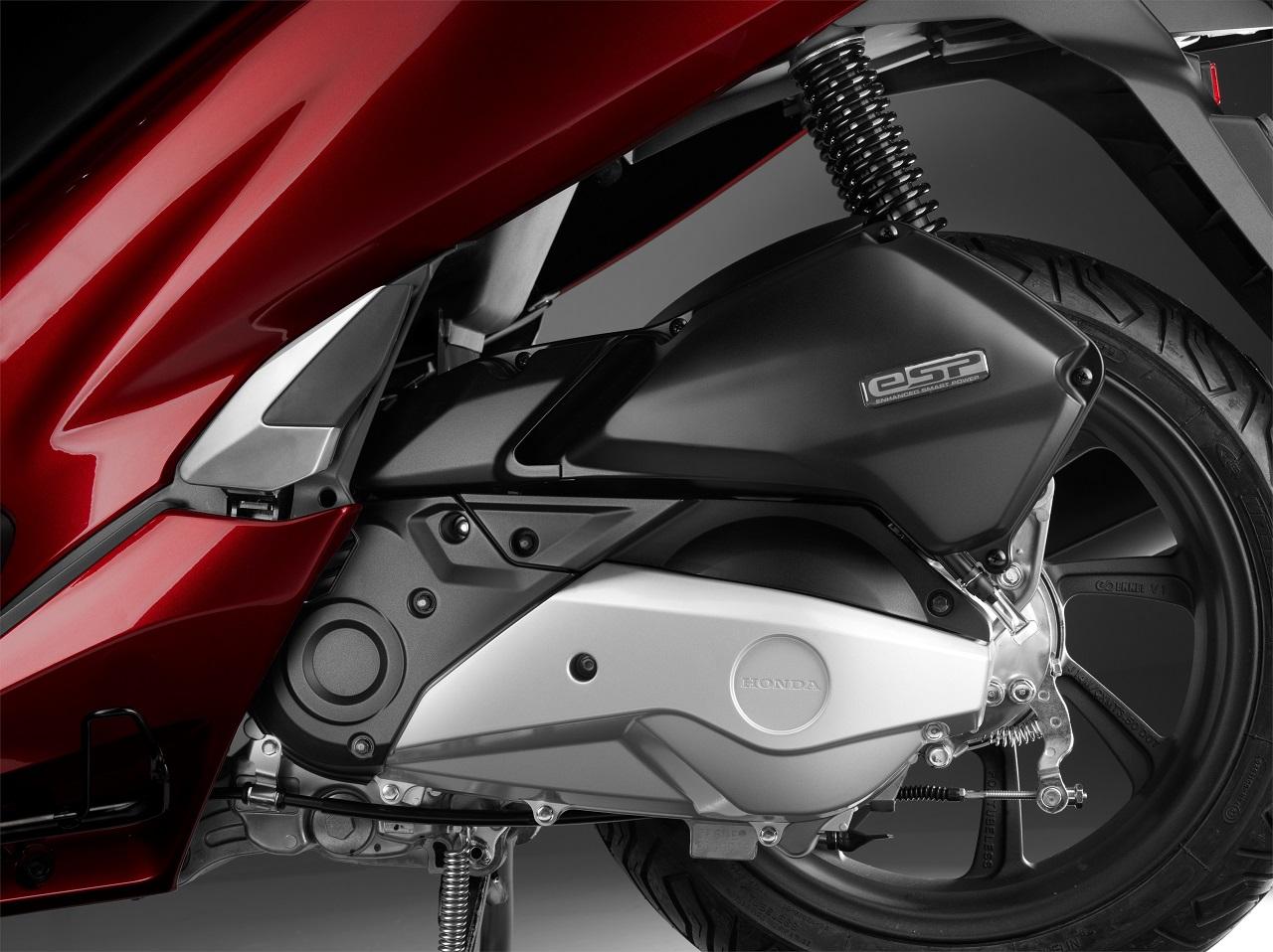 2018 Honda PCX 150 press engine
