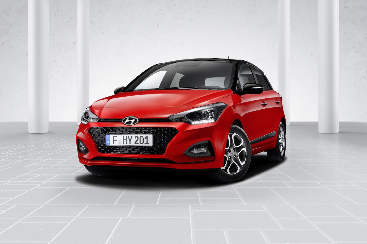 Euro-spec 2018 Hyundai i20 (facelift) front three quarters
