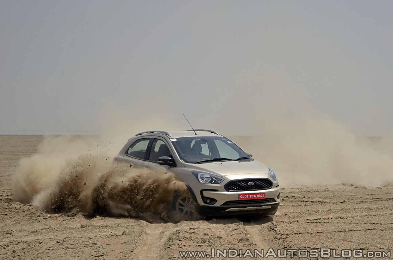 Ford Freestyle review front action