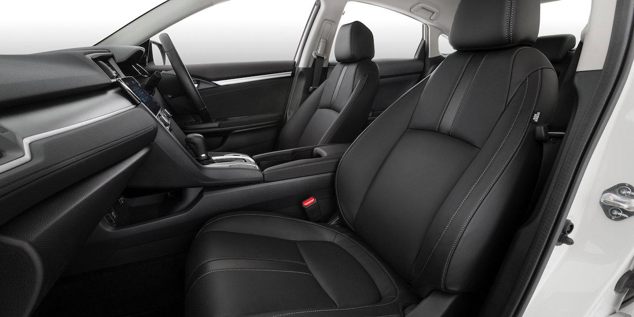 Honda Civic Luxe interior