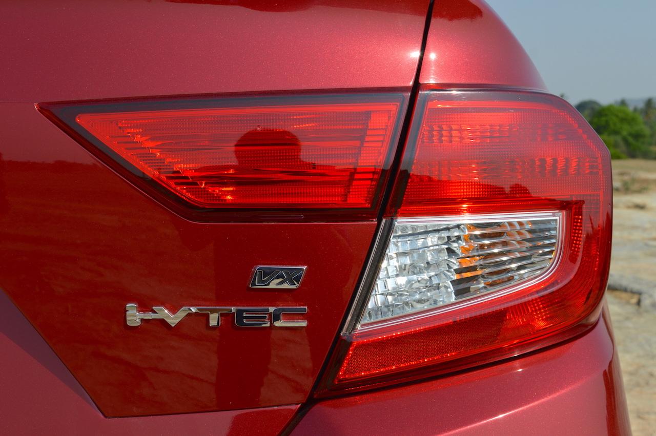 2018 Honda Amaze right-side tail lamp