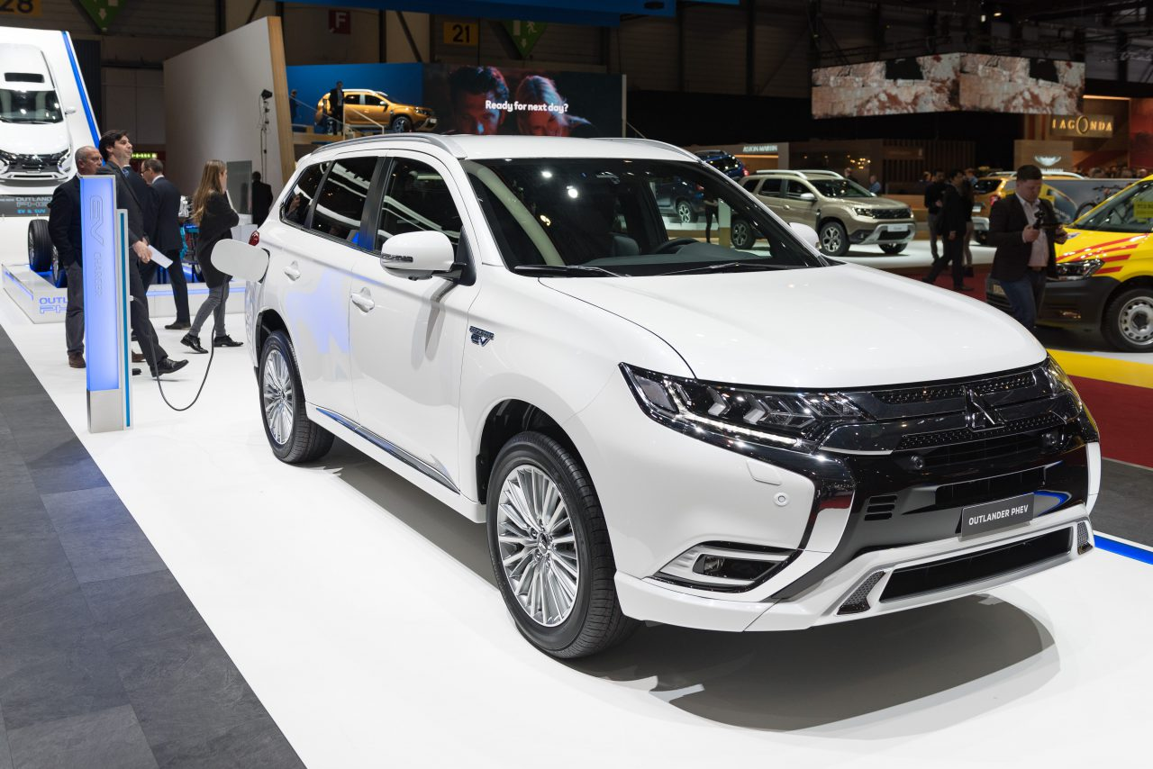 mitsubishi outlander phev to be launched in india report. Black Bedroom Furniture Sets. Home Design Ideas