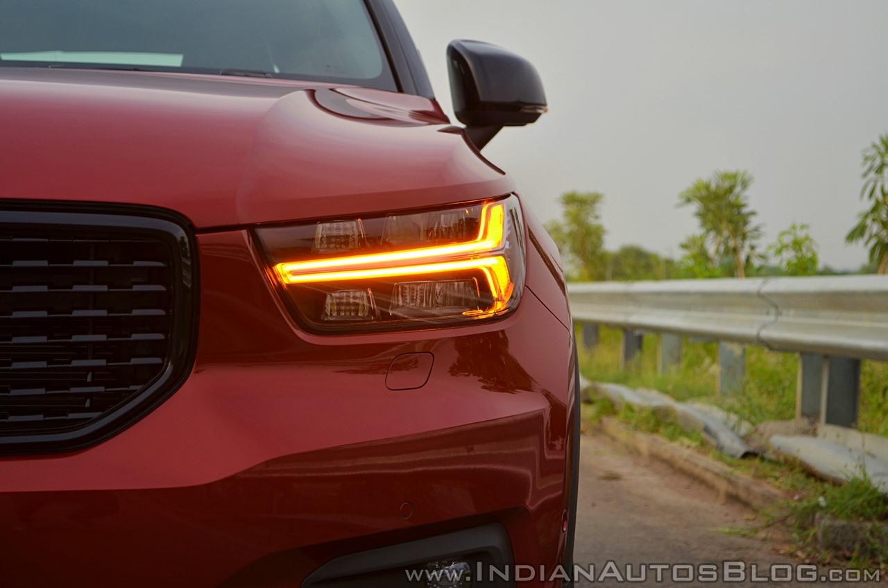 Volvo XC40 review headlamp turn indicator