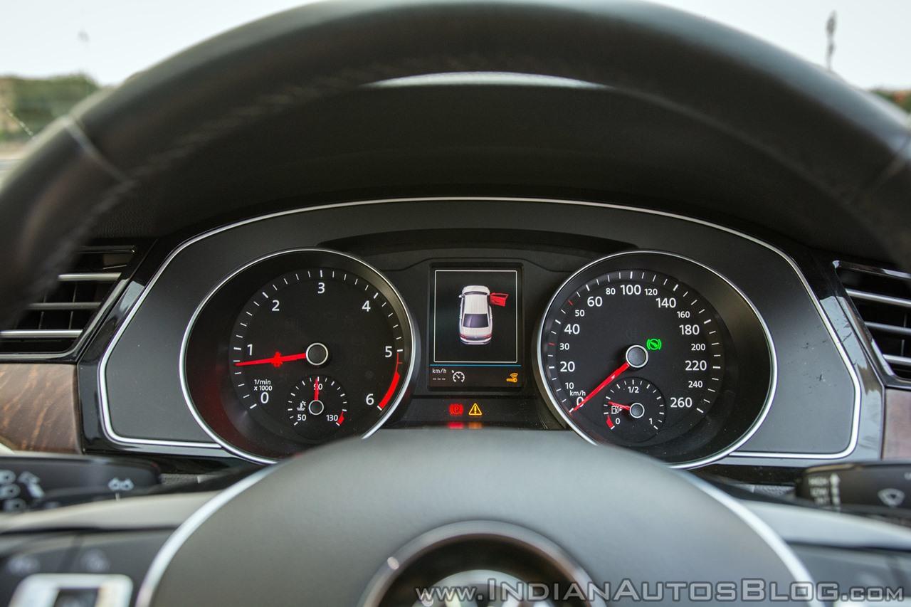 VW Passat review instrument console