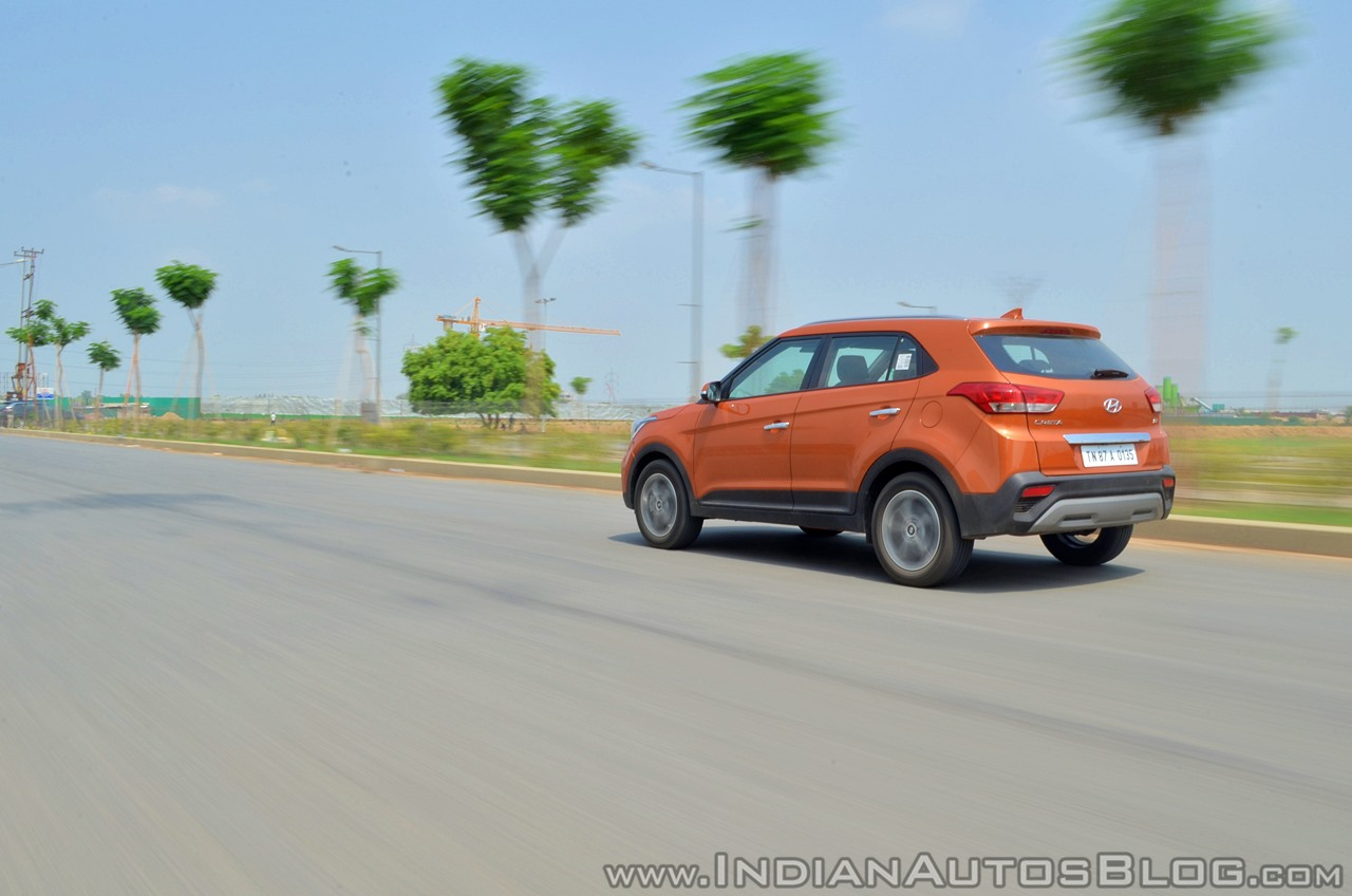 2018 Hyundai Creta facelift review rear angle far motion
