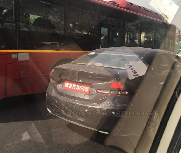2018 Maruti Ciaz facelift spy picture rear end