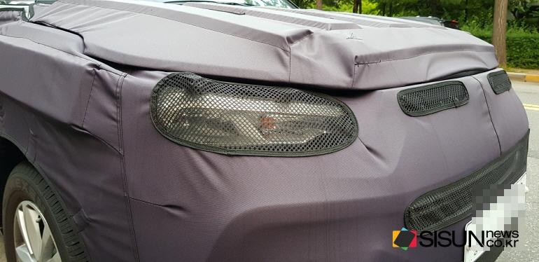 2018 SsangYong Tivoli (facelift) headlamp spy shot