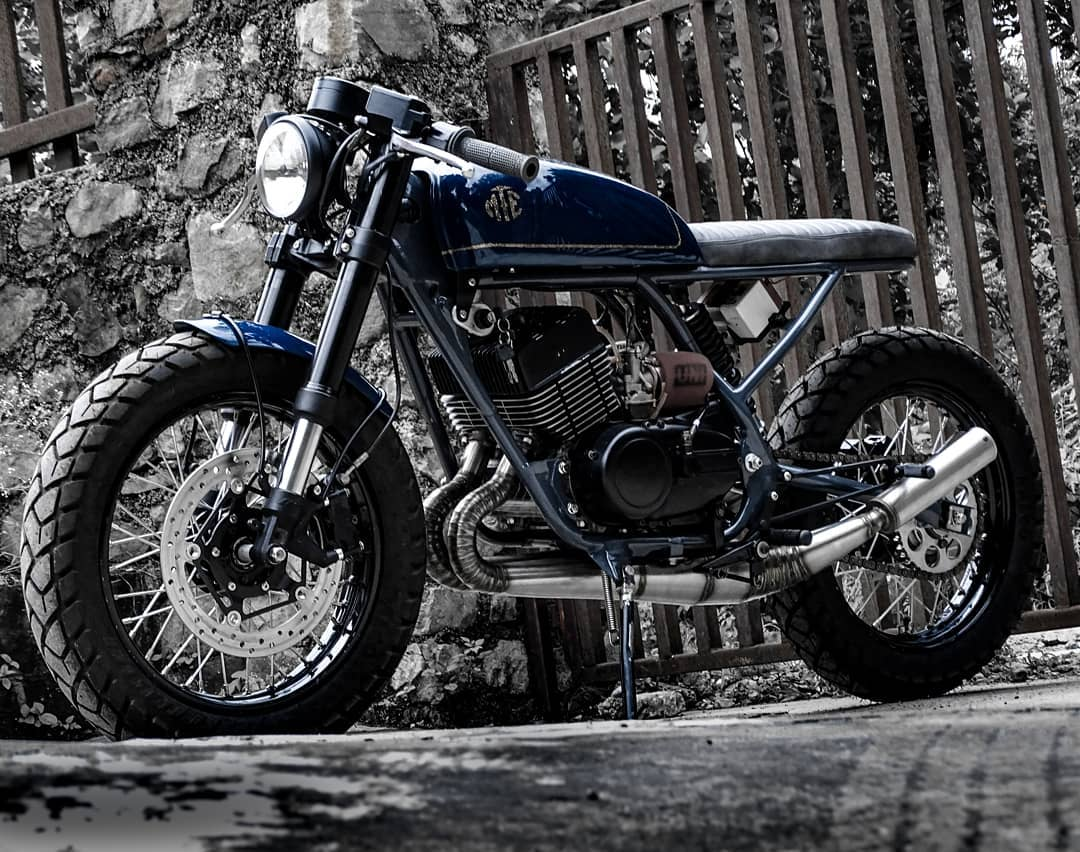 Modified Yamaha RD350 café racer by Moto Exotica