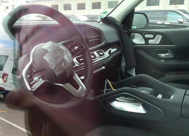 2019 Mercedes GLE interior steering spied