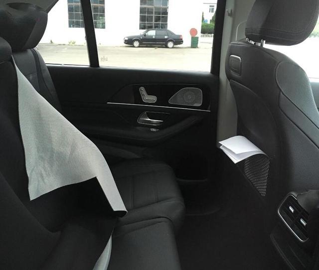 2019 Mercedes GLE rear interior spied