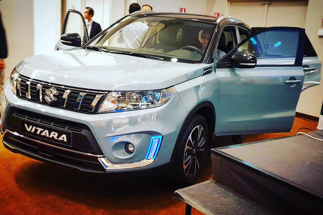 2019 suzuki vitara in live images. Black Bedroom Furniture Sets. Home Design Ideas