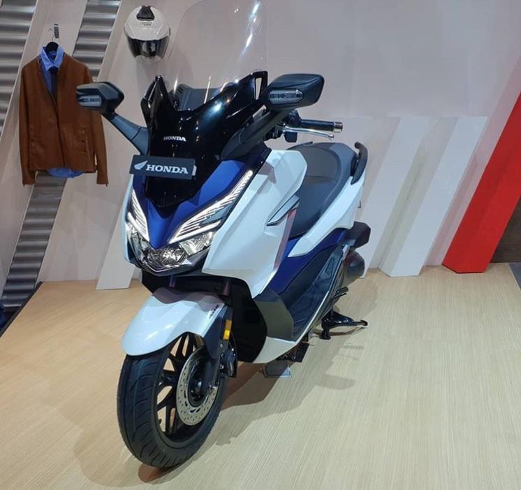 Honda Forza 250 at GIIAS 2018 front profile