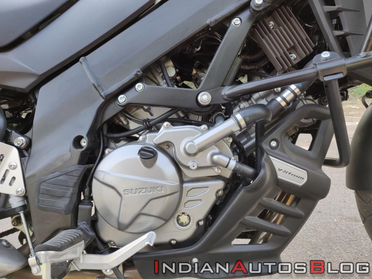 Suzuki V Strom 650 Xt Details Engine Right Side Cl